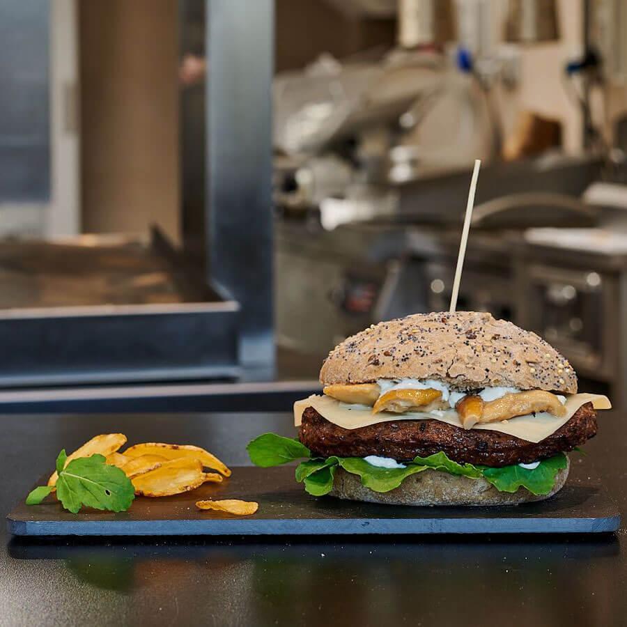 Big bang burger, uno dei tanti Hamburger che hanno reso celebre Galliano Food