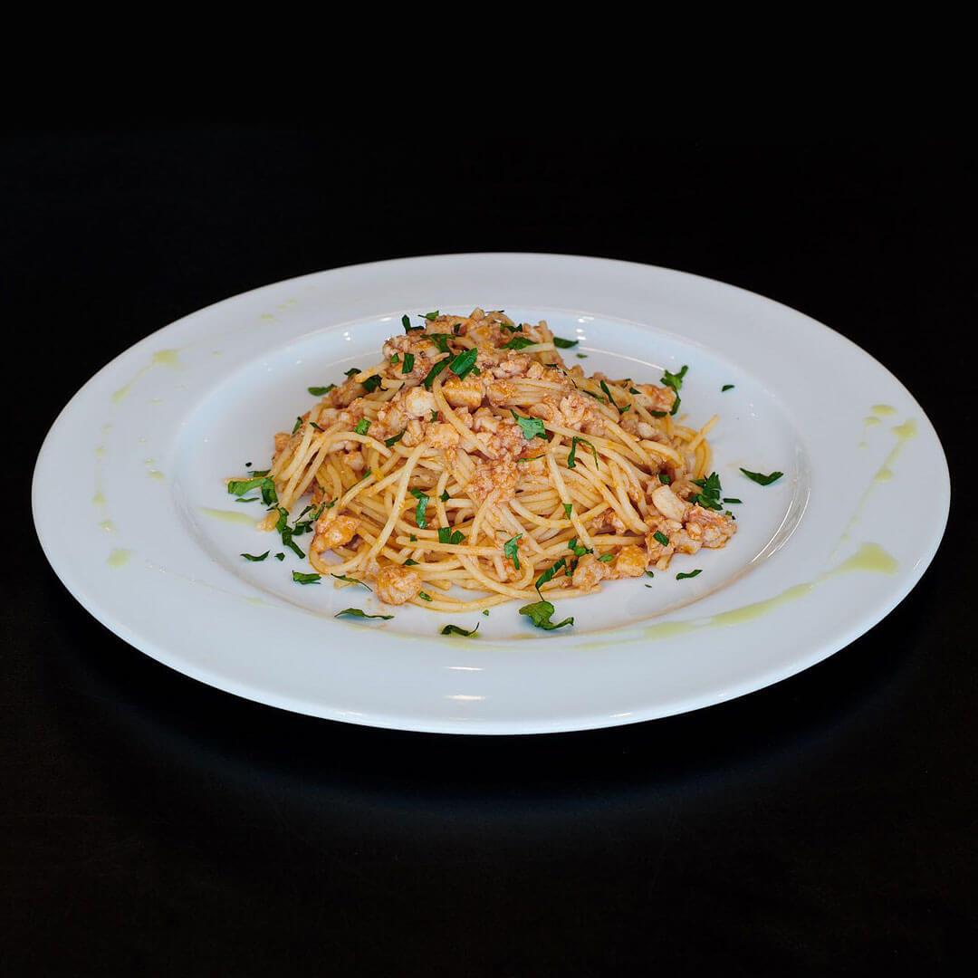 Lo spaghetto alla trabaccolara, uno dei primi piatti che potete ordinare da Galliano Food