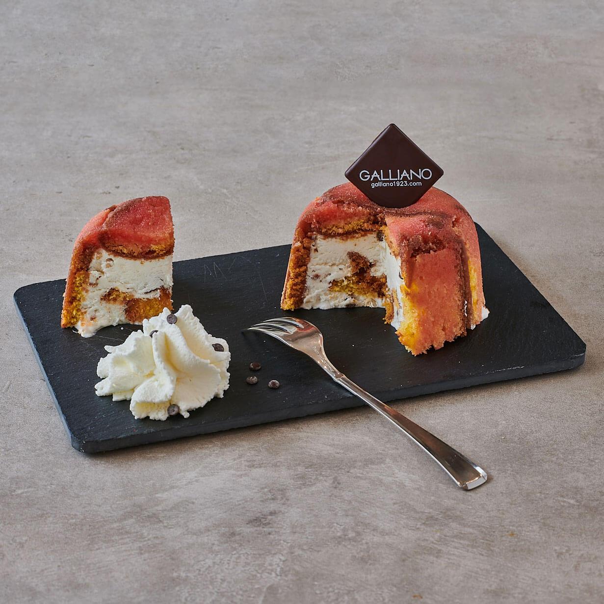 Il celebre zuccotto, una delle torte semifredde proposte da Galliano